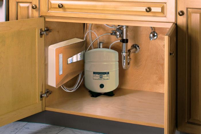 Sistema de ósmosis inversa para purificar el agua de una vivienda