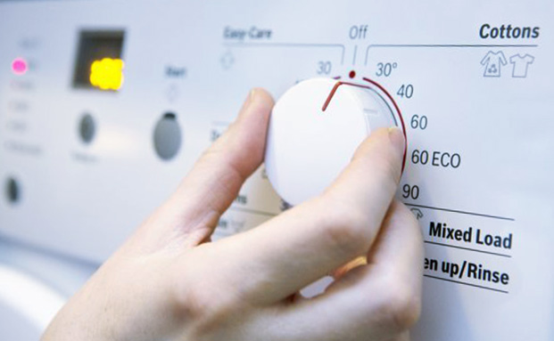 El mejor momento para poner la lavadora sin consumir excesiva electricidad