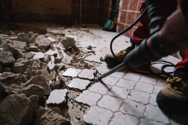 Refforma del suelo del cuarto de baño
